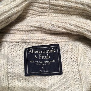 Abercrombie & Fitch Sweaters - Abercrombie&Fitch Small beige cable knit cardigan
